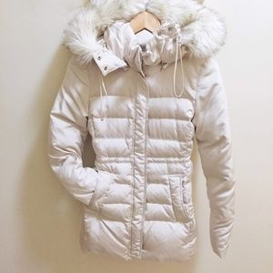 Zara cream down puffer with faux fur hood, L